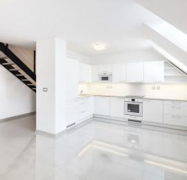 Polyfunkční dům – vybavení bytů kuchyněmi